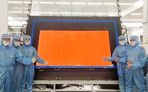 全球首款100英寸8K GOA显示面板成功点亮