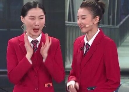 央视春晚节目华为Mate30频繁入镜为国货点赞